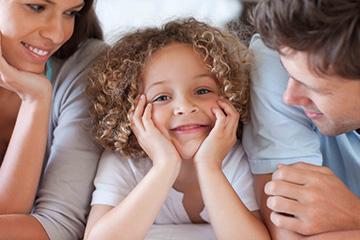 Юридическая суть отношений между усыновителями и усыновленными