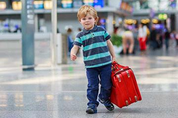 Ребенок в аэропорте