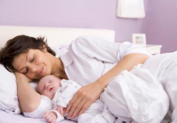 Как получить денег от государства при первом ребенке